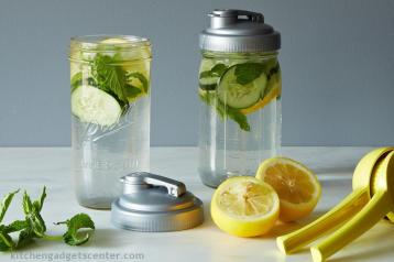 תמי4 שטראוס מים מזכירה לכם לשתות יותר מים