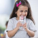 מים בריאים לילדים