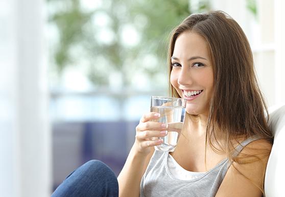 שתיית מים בחודשי הקיץ היא חשובה מאוד
