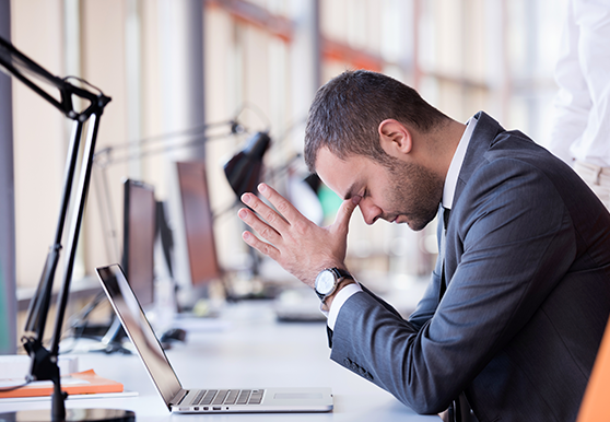 כאב ראש בעבודה? אולי לא שתיתם מספיק מים