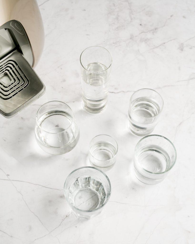 גם לאחר הלידה, חשוב לשתות הרבה מים